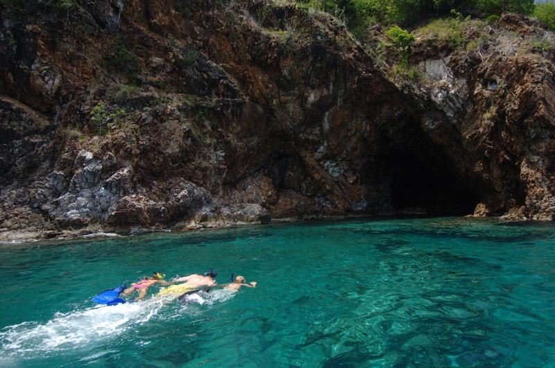 snorkel caves norman island